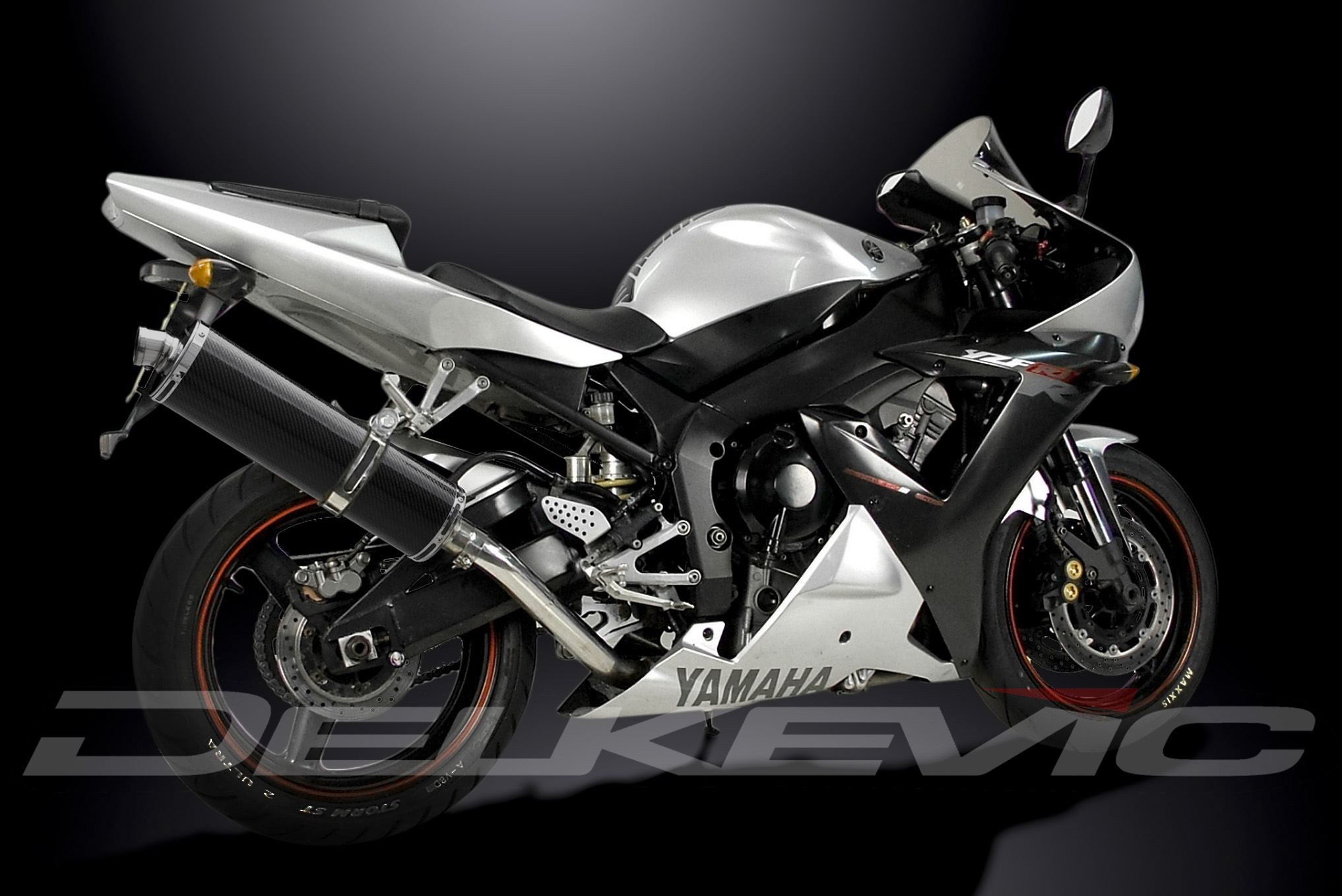 Глушитель DELKEVIC, Yamaha YZF-R1 02-03 oval carbon 450mm